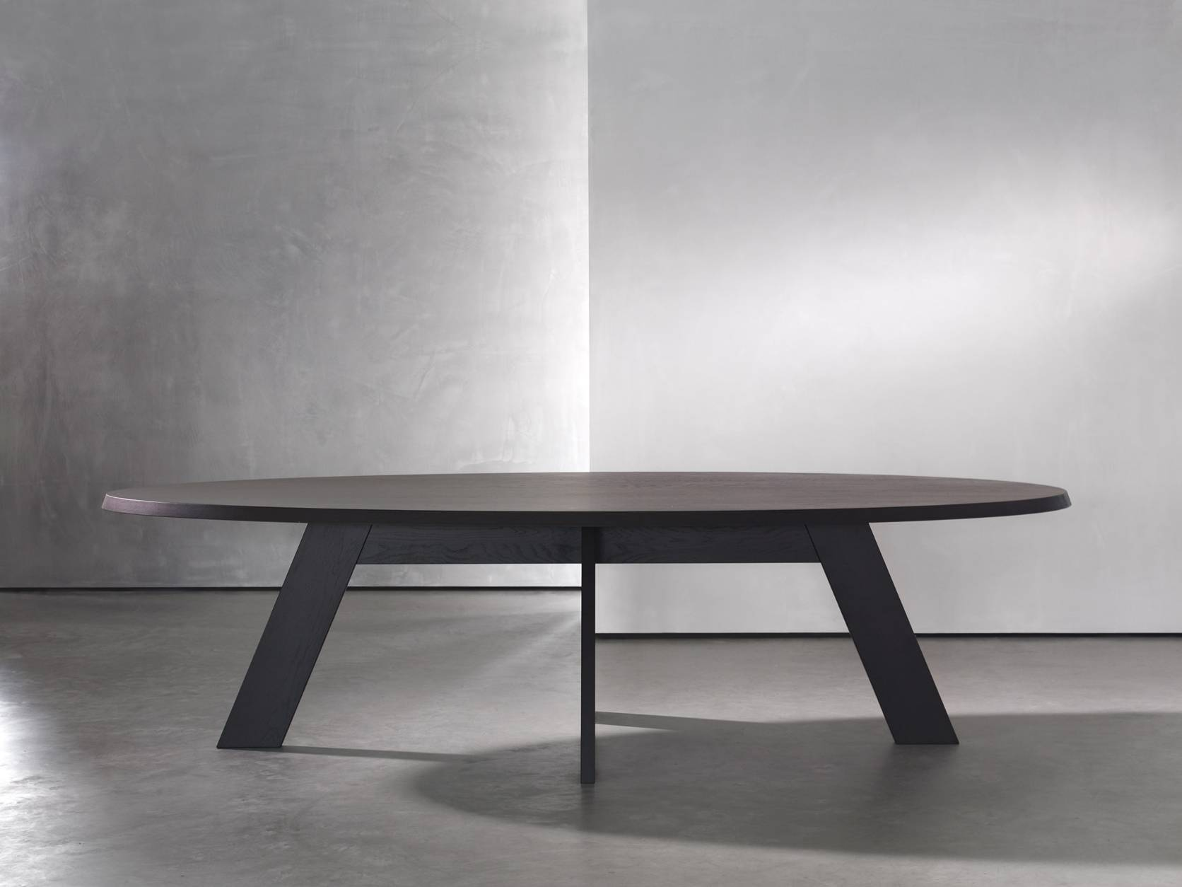 PIET BOON Ids Dining Table oval