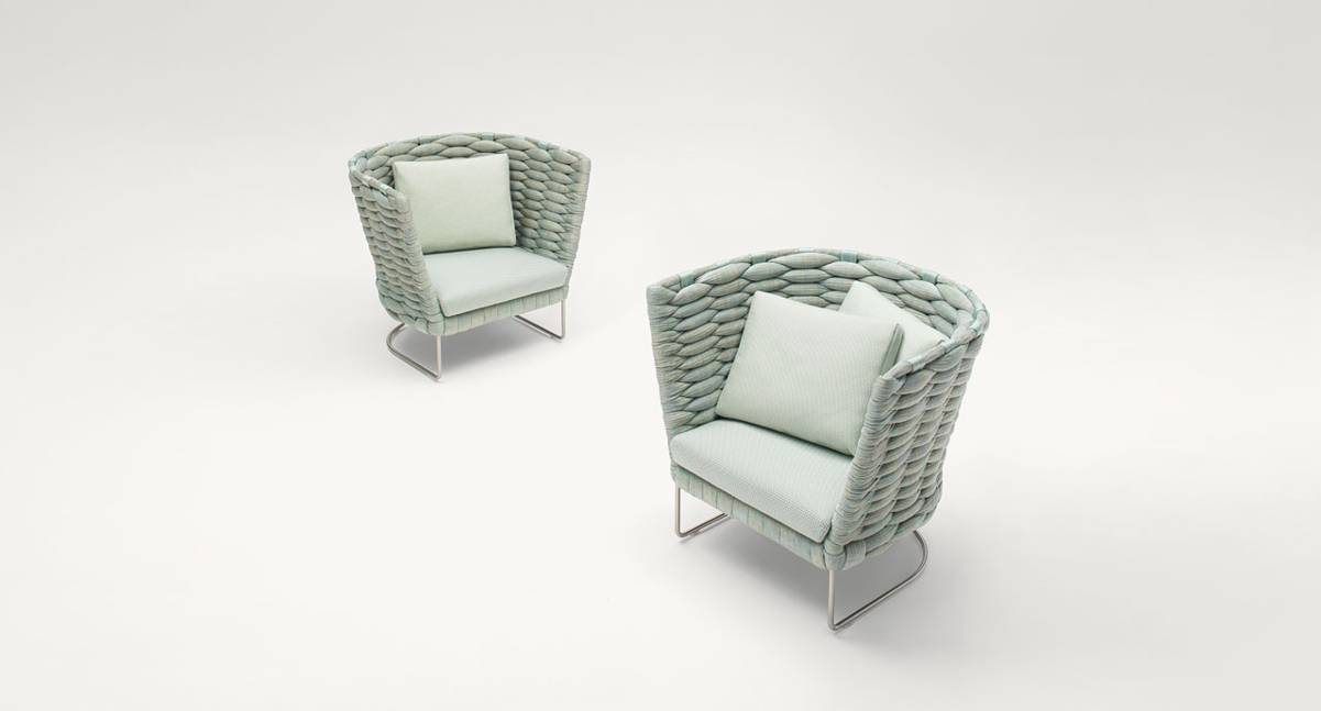 OUTDOOR LOUNGE-CHAIRS