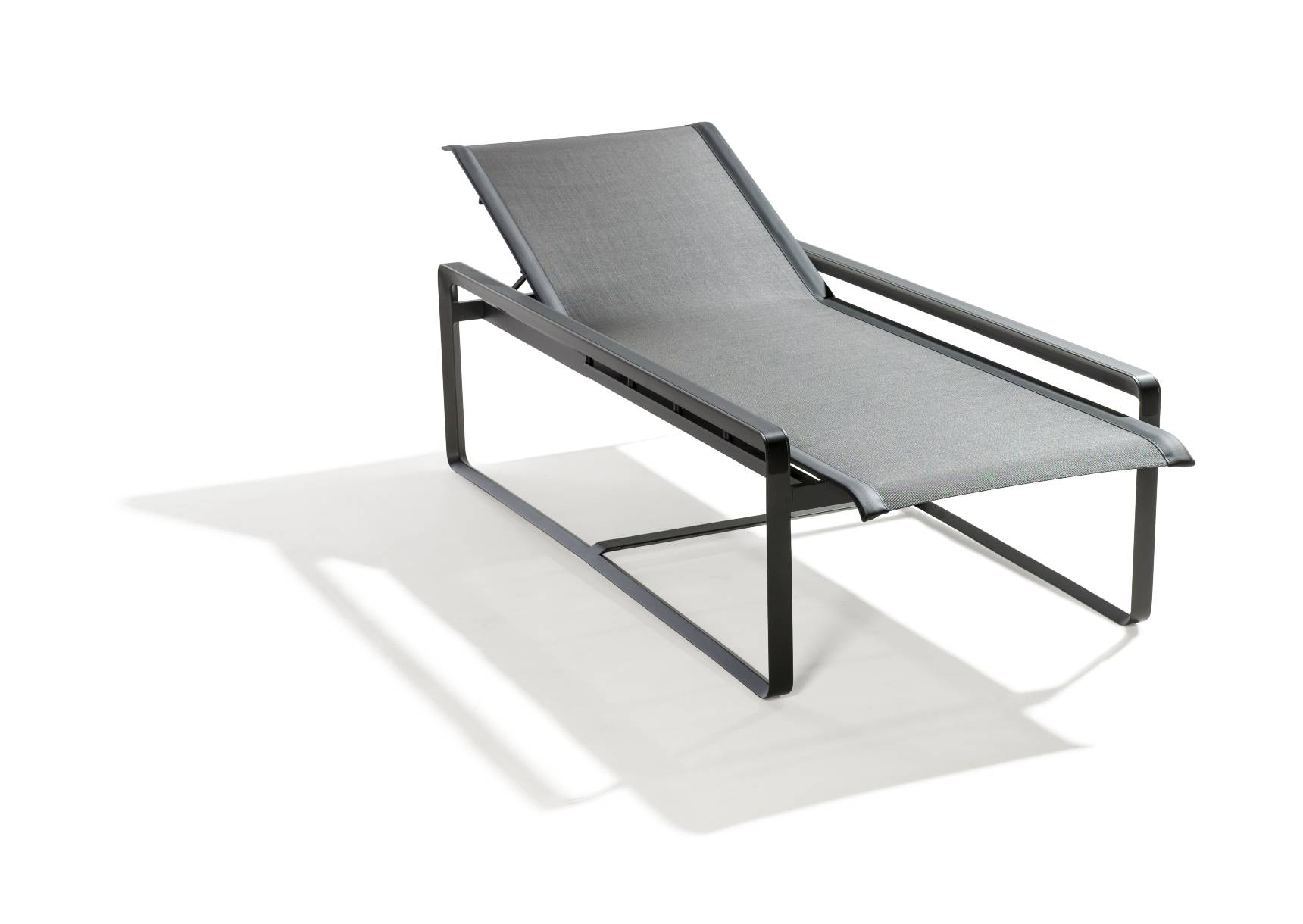 TRIBÙ Neutra Lounger